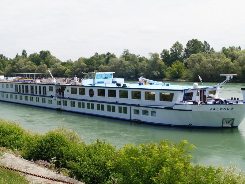 ArleneII-Donauradweg1.jpg
