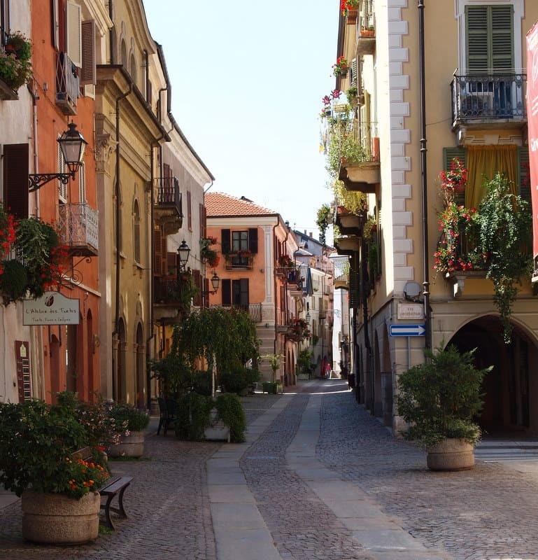 Cuneo_-_Contrada_Mondov.jpg